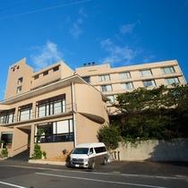 全室より郷ノ浦港を一望できます。