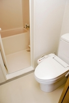 【バスルーム】セパレートタイプです。
