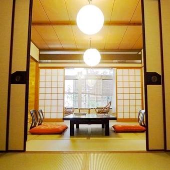 夕食お部屋食【高尾館14畳】坪庭、応接セット