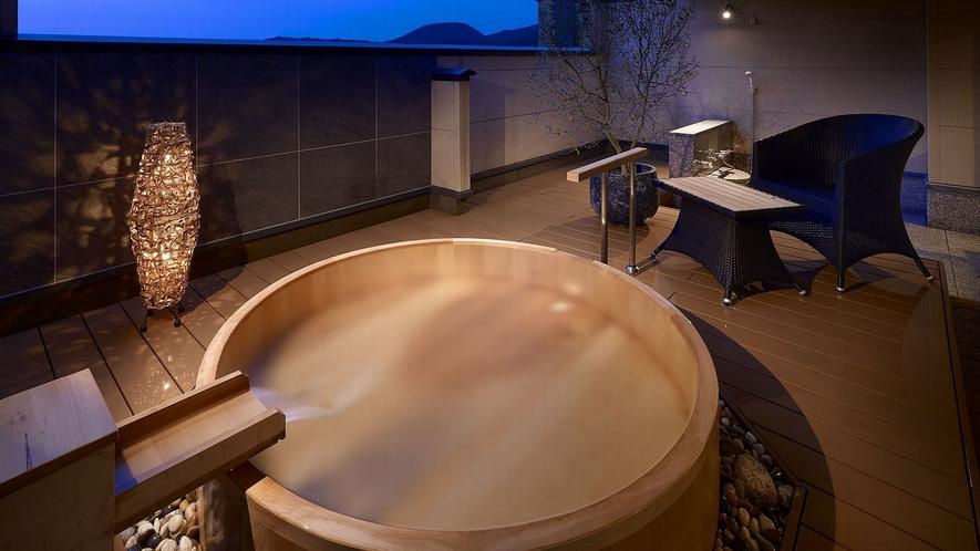 露天風呂付き客室湯の栖:323号室「胡蝶」