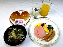 朝食「洋食セット」