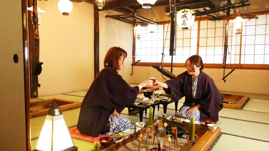 囲炉裏を囲んで・・・日本酒もおすすめです♪