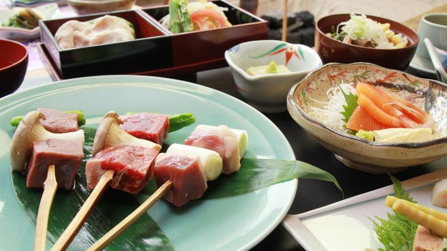 贅沢串焼き3種[牛・鹿・鴨]を食べ比べ♪