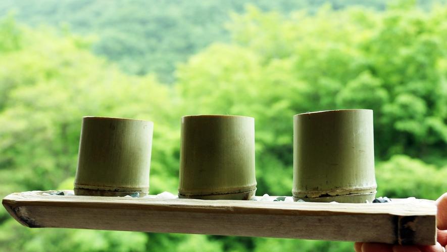 竹筒のコップが風流♪ちょこっと飲み比べで地酒を堪能♪美味しい栃木の地酒を召し上がれ★