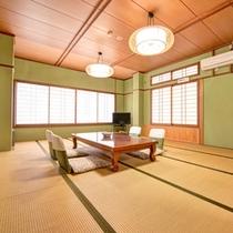 *和室15畳(客室一例)/大家族やグループでのご宿泊にぴったり!広々としたお部屋でゆったりお寛ぎ下さい。