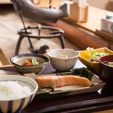【秋冬旅セール】◆WAQプラン◆富山駅3分!畳で寛ぐ和スタイルと手作り無料朝食◆
