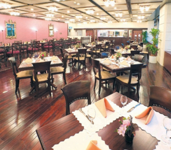 1階レストラン「アヴァンセ」