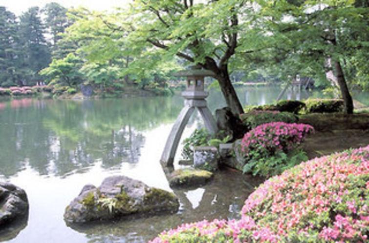 【金沢 兼六園】日本三大庭園のひとつ、金沢の兼六園。