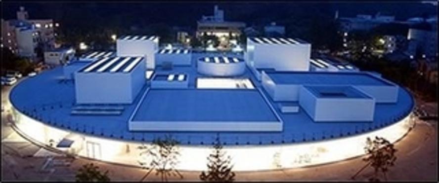 【金沢21世紀美術館】石川県金沢市広坂にある現代美術を収蔵した美術館。