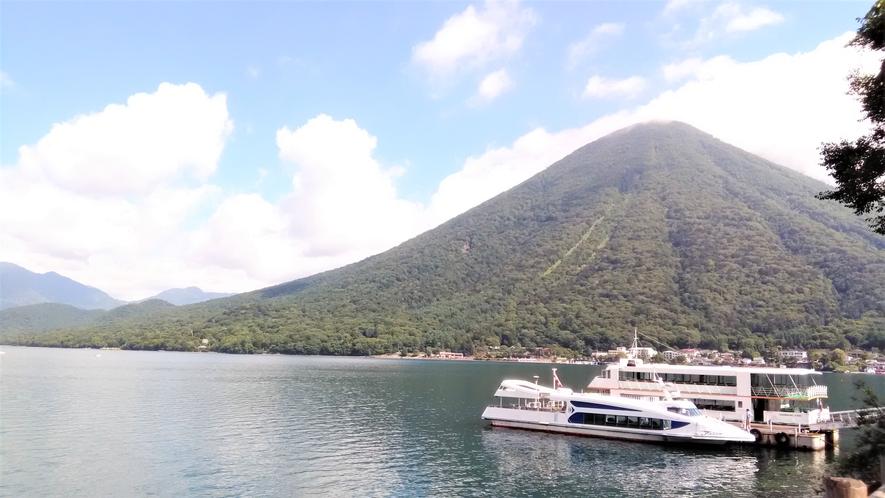 日光国立公園 中禅寺湖・男体山