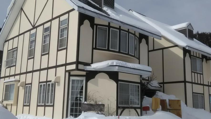 屋外外観・オウレット冬