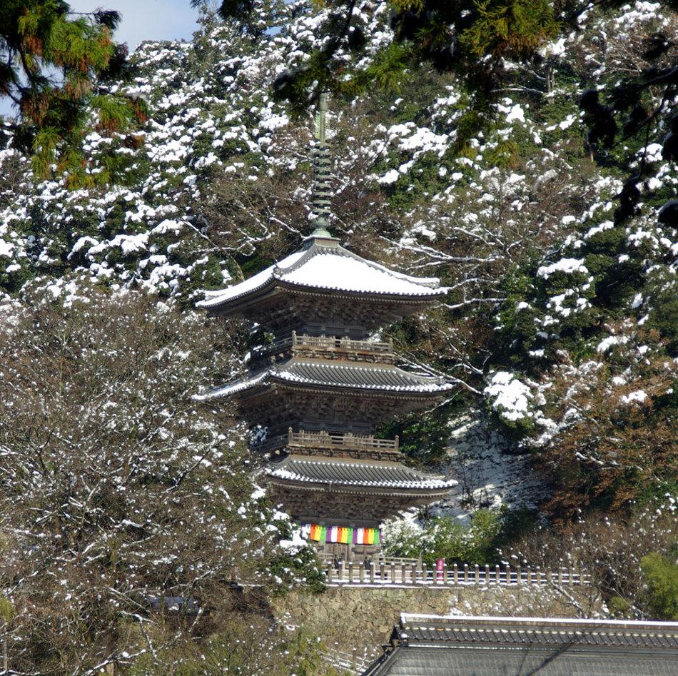 三重塔(雪景色)