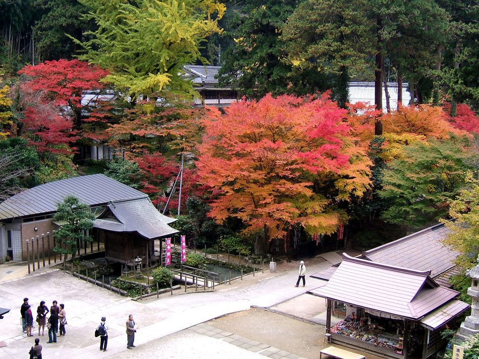 秋の清水寺境内(弁財天堂)