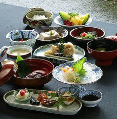 ≪日帰り昼食≫【GoTO地域共通クーポンもOK】境内の宿でゆっくりと楽しむ精進料理♪