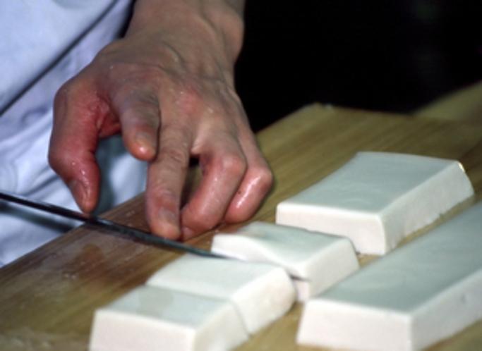 胡麻豆腐の切りつけ