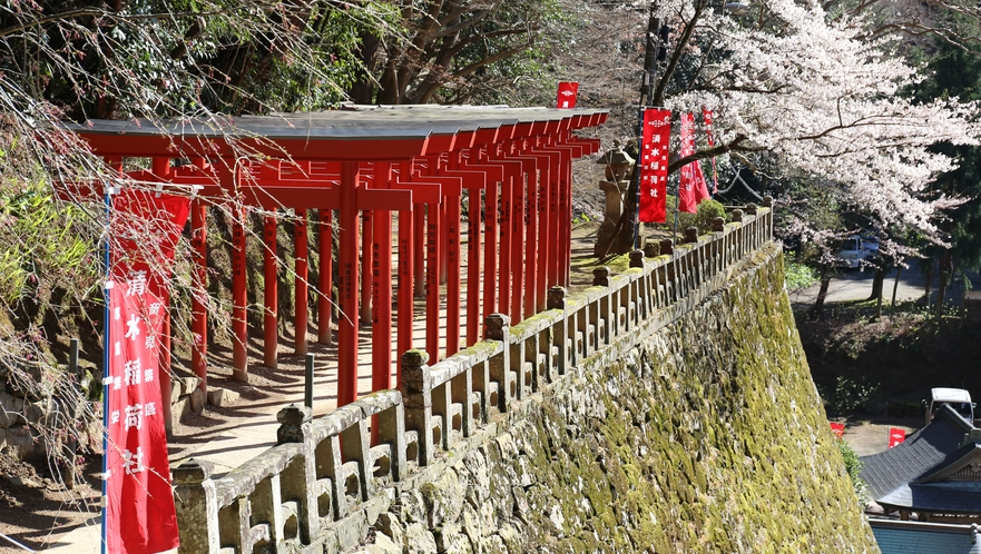 清水寺稲荷社の鳥居