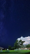 夜空とホテル