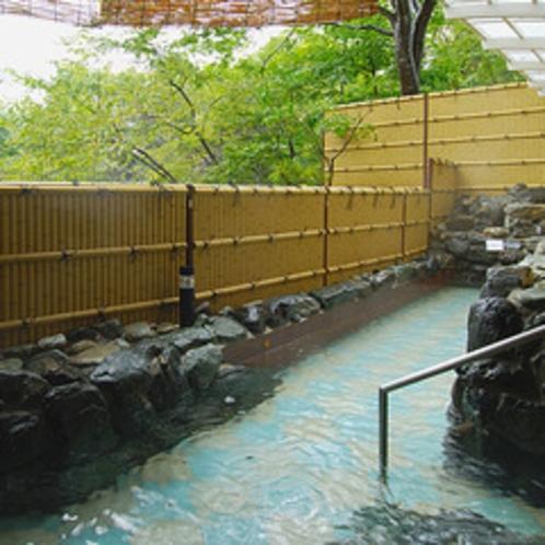 三春の湯露天風呂