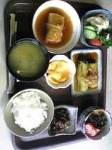 ある秋の朝の、和食  ( 7:30〜9:00  一階食堂でご用意いたしております。)