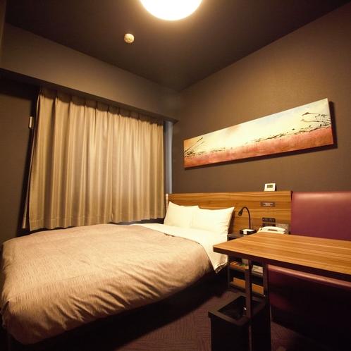 【客室】シングル2名利用セミダブルルーム