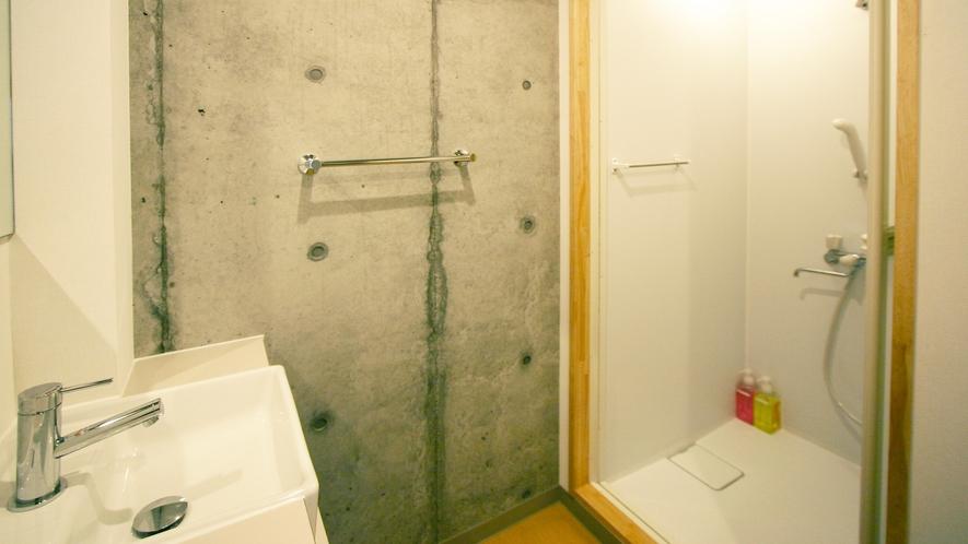 女性用共同シャワー