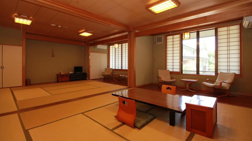 ■12畳二間【すみれ-sumire-】 少人数では持て余してしまうほどの広々和室は、3世代家族やグル