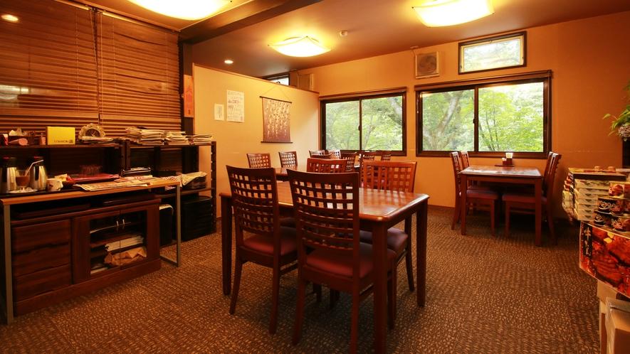 ■館内 食事は個室で。こだわりの創作懐石をじっくりとお楽しみください。