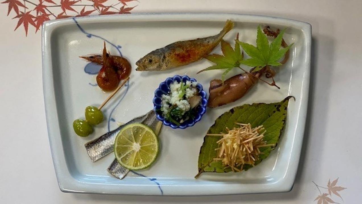 *【夕食一例】季節ごとの旬の食材をお楽しみください