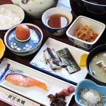 *【朝食一例】和定食を瀬戸内海の景色が楽しめる広間にてご用意いたします