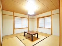 【コテージ4名用】畳の香りで落ち着いて過ごせる和室のお部屋もございます。