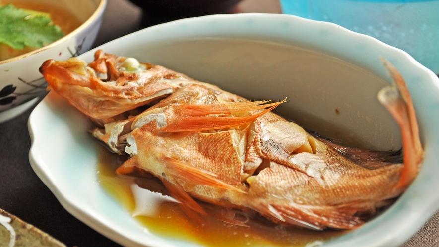 【春の一例:メバルの煮付】春を告げる魚、メバルの煮付。季節のお魚を煮物や焼き物でお出しします。