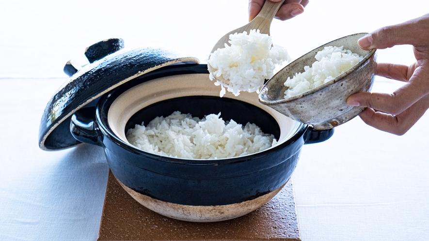 *【朝食一例】地元の食材をふんだんに使用したこだわりの料理。見た目もお楽しみいただけます。