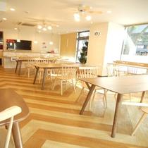 ♪当館1階カフェにて朝食をお召し上がり頂けます。毎朝6時30分〜9時
