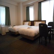 ツインルーム 広さ16㎡~19㎡ ベッド幅110㎝ ・全室シモンズ製ベッド♪・全室ウォシュレット完備