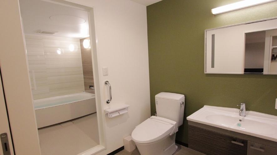 トリプルルーム(セパレート様式バスルーム)