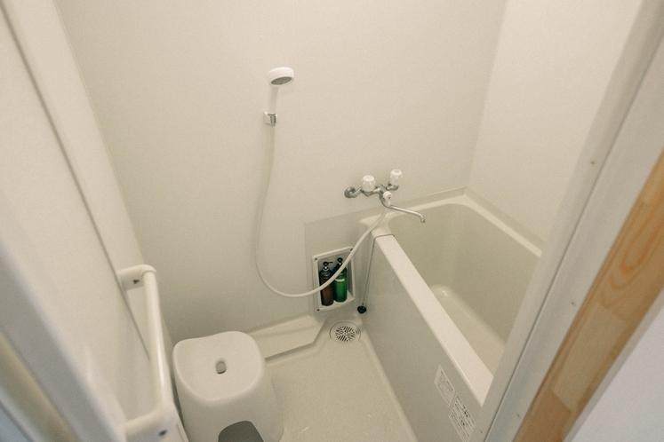 バスタブ付き個室シャワールーム