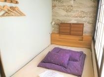 Dormitory 1 Double bed 【相部屋ダブル】