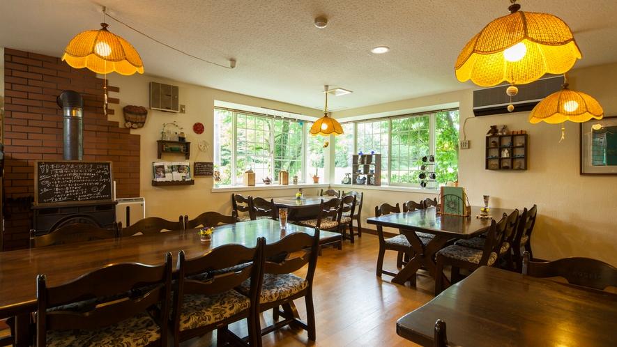 カフェ風スタイルで楽しむ高原ディナー
