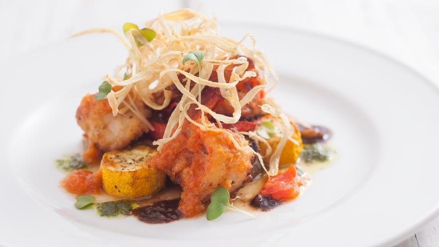 魚料理も季節の野菜たちで彩り豊かに