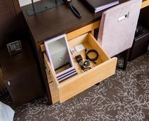 客室備品類(鏡・充電器)(共通)
