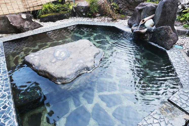 月見の湯 露天風呂