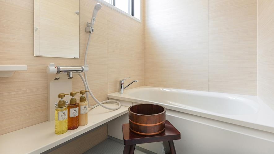・<バスルーム>別館和室のバスルーム。心を込めて清掃しております。