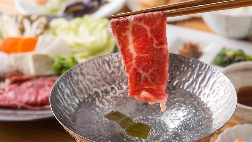 ・<夕食>近江牛しゃぶしゃぶ御膳。大吉商店の近江牛を使用しています