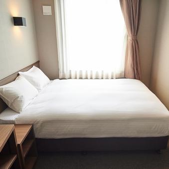 ◆禁煙エコノミーダブル◆ベッド幅140cm×1台