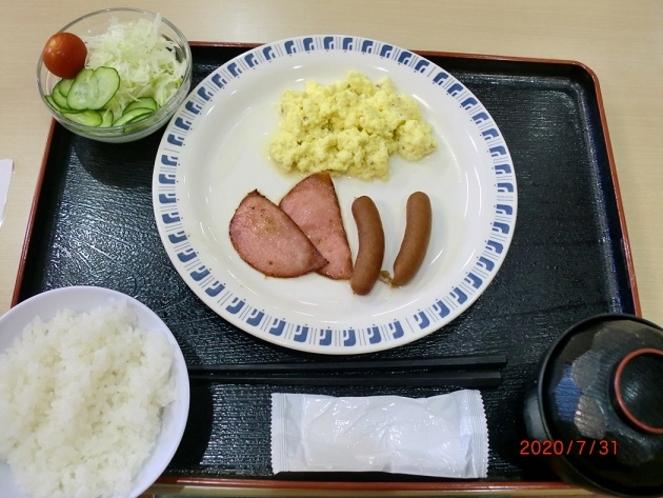和・洋ミックスのご朝食
