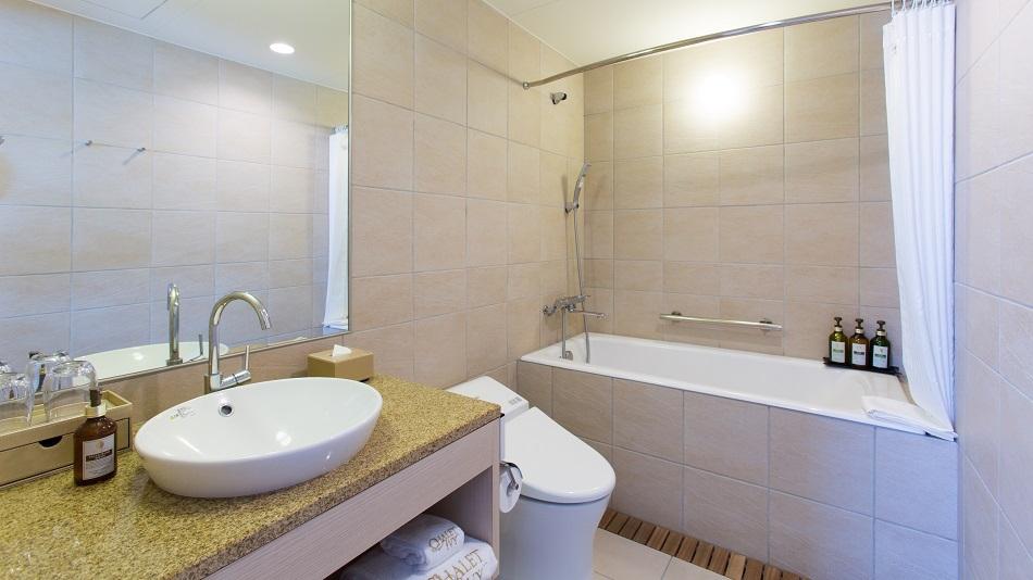 スーペリアルーム(一部)、ワンベッドルームスイート バスルーム
