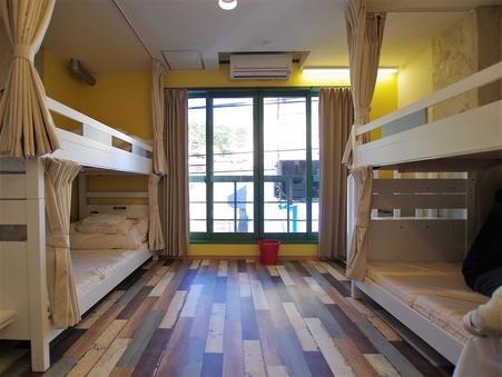 ゲストハウスの個室(6名様まで泊まれます)