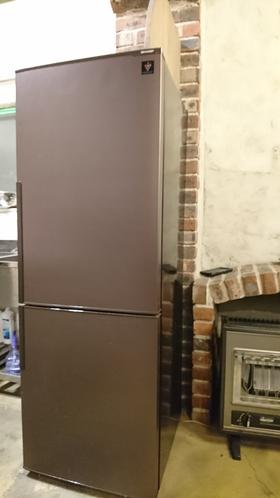 1F、共有キッチンの冷蔵庫