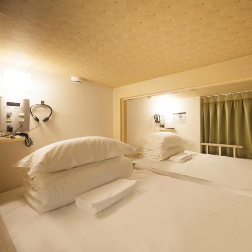 ◆コネクティングキャビン◆シングルベッド(90cm幅)2 1〜2名用