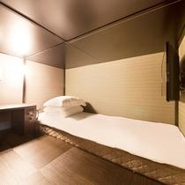 ◆デラックスキャビン◆シングルベッド(90cm幅) 1名用